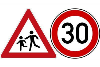 Verkehrszeichen Kinder und Tempo 30